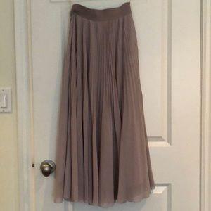 Dresses & Skirts - Aritzia Terre Skirt - grey - size small